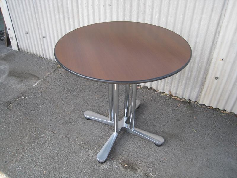 ミーティングテーブル オカムラ