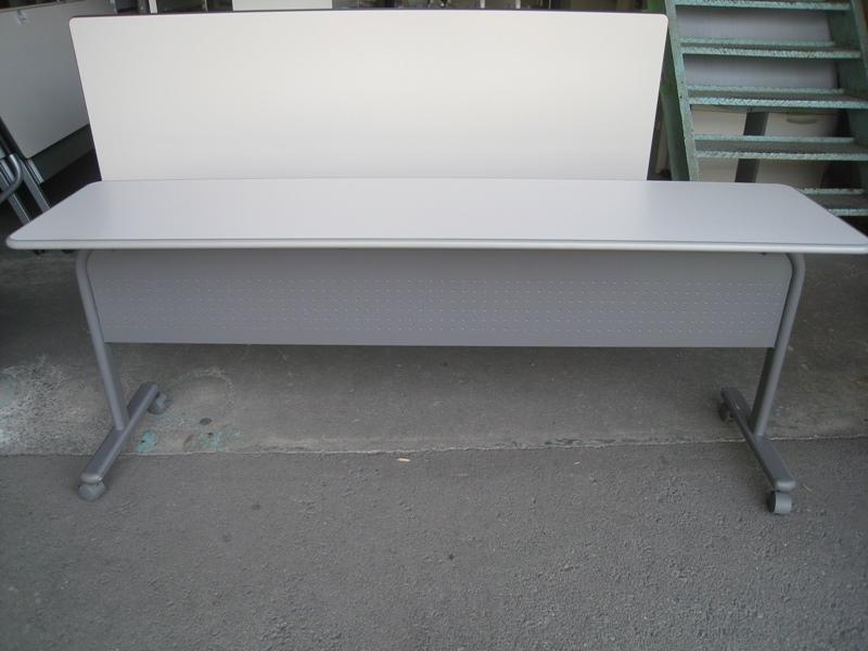 スタックテーブル 幕板付