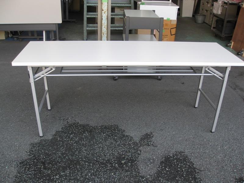 オリタタミテーブル