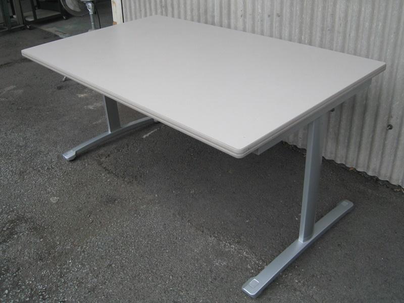 14年製 ミーティングテーブル