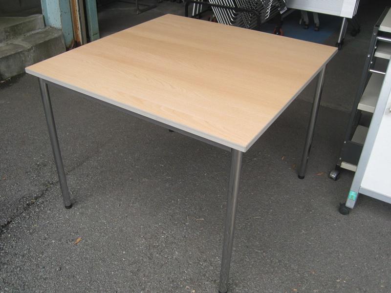 ウチダ ミーティングテーブル W900