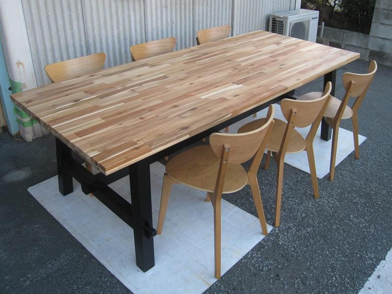 無垢材 ダイニングテーブル SKOGSTA